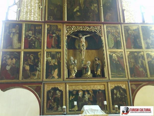 Biertan altarul bisericii (cel mai mare din tara)