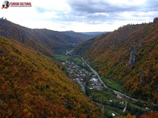Manastirea Cetatuia Negru Voda valea Cetatuii