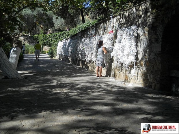 Efes Casa Fecioarei Maria zidul dorintelor aflat langa cele trei cismele