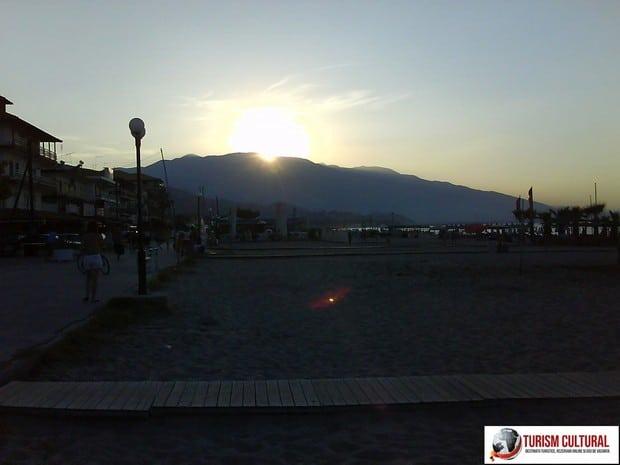 Grecia Nei Pori apus de soare pe muntele Olimp