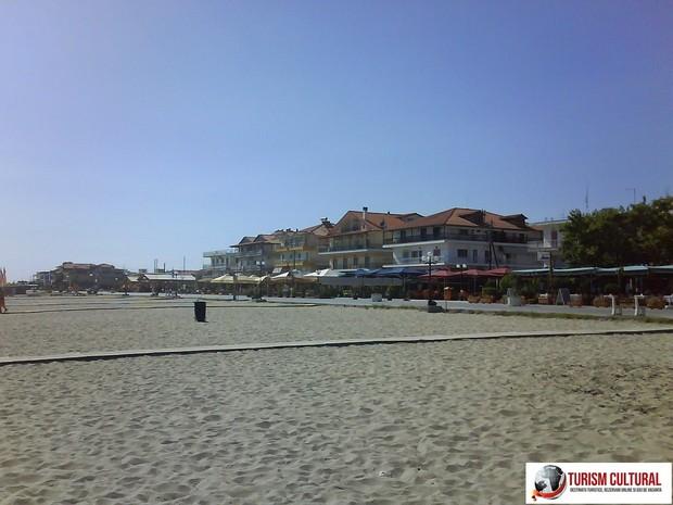 Grecia Nei Pori plaja din partea de est a statiunii