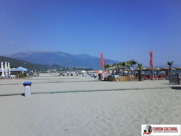 Grecia Nei Pori plaja si muntele Olimp