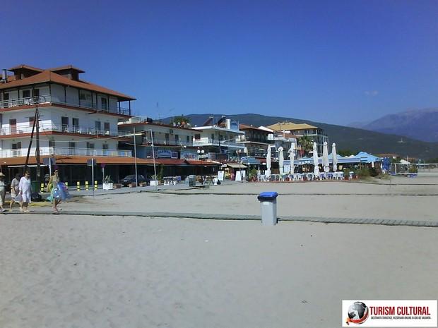 Grecia Nei Pori plaja din partea de vest a statiunii