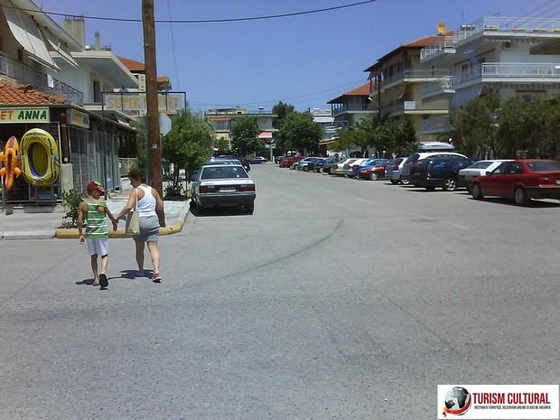 Grecia Nei Pori in drum spre plaja