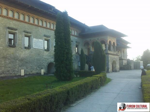 Iasi Manastirea Cetatuia sala gotica
