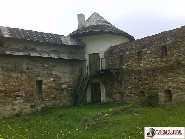 Manastirea Mera turn aparare