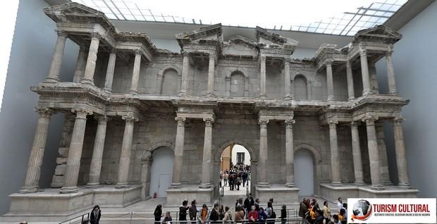 Milet poarta agora de sud (reconstituita la Pergamon Museum din Berlin)