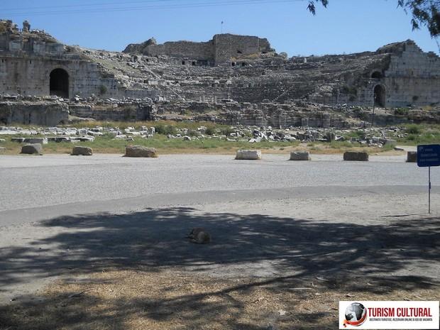 Milet vedere generala asupra teatrului