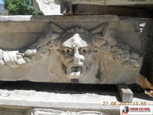 Turcia Aphrodisia frize sculptate in marmura