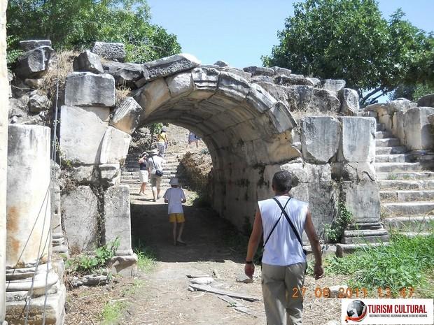 Turcia Aphrodisia poarta intrare Agora de Sud (una din cele doua porti)