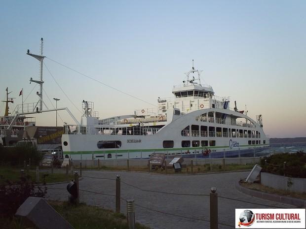 Turcia Eceabat feribotul spre Canakkale