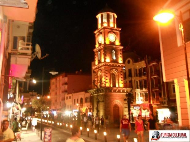 Turcia Canakkale noaptea turnul cu ceas