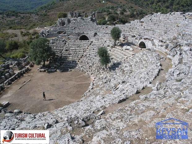 Turcia orasul Dalyan teatrul din orasul antic Kaunos