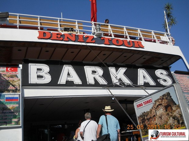 Turcia delta Dalyan vasul Barkas intrarea pe vas
