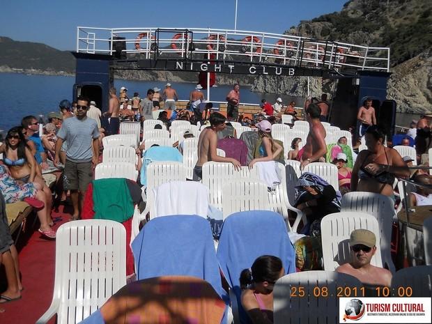 Turcia delta Dalyan pe puntea superioara a vasului Barkas
