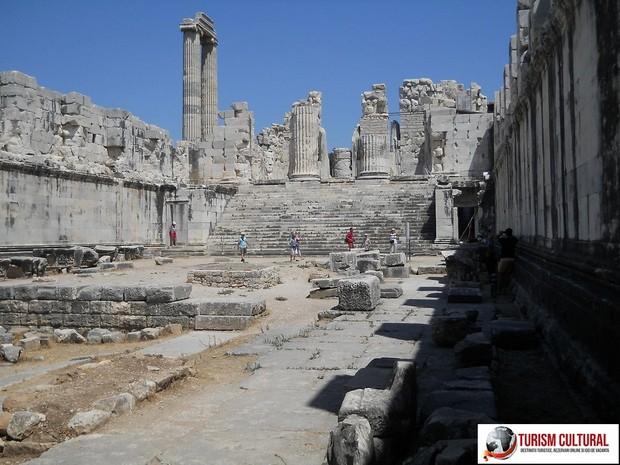 Turcia Didyma Oracolul lui Apollo adyton interior