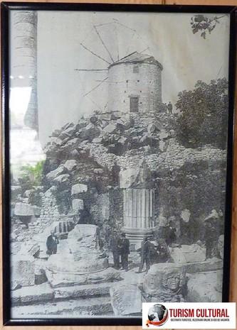 Turcia Didyma Templul lui Apollo moara de vant daramata de arheologii germani