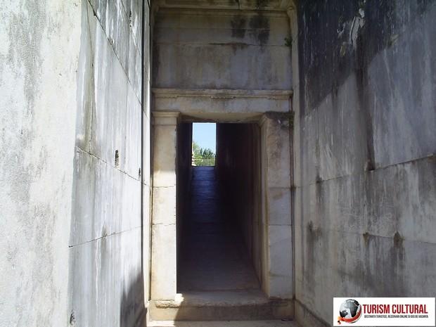 Turcia Didyma Templul lui Apollo pasajul spre incinta templului