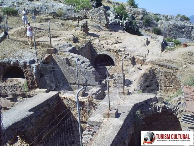 Efes Grota Sapte Tineri Adomiti