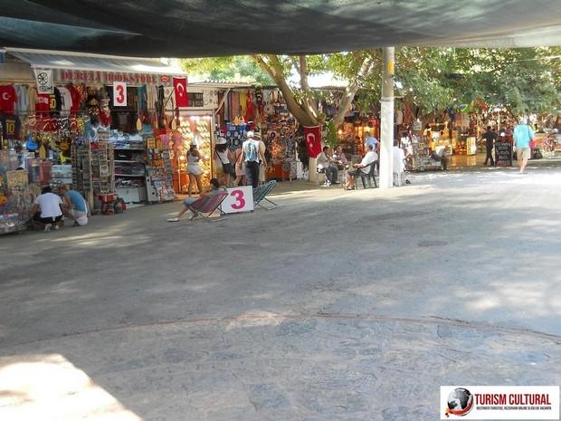 Turcia Efes magazine la intrarea de jos