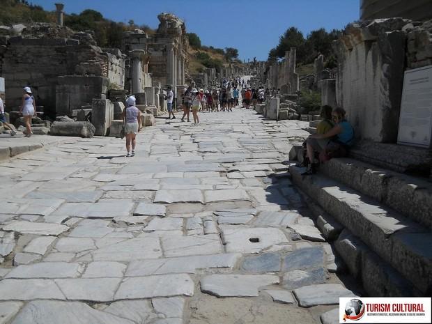 Turcia Efes strada Curetes (gradinilor)