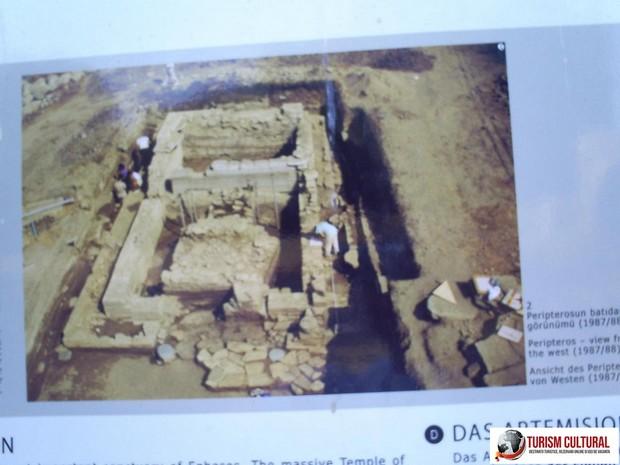 Turcia Efes templul Artemisei Peripteros (locul unde se afla statuia de cult)
