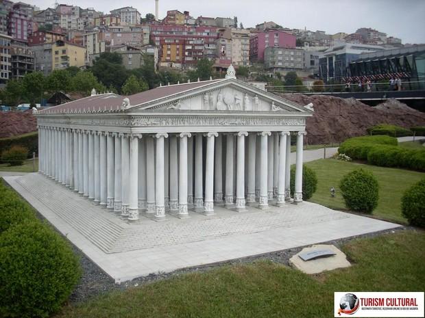Turcia parcul Miniaturk din Istanbul Templul Artemisei