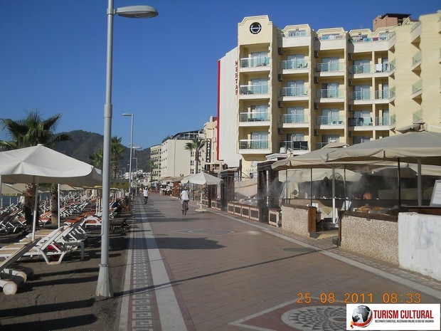 Turcia Marmaris aleea de promenada (pe malul marii)