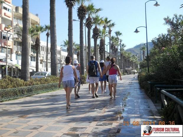 Turcia Marmaris bulevardul palmierilor (in drum spre Marina)