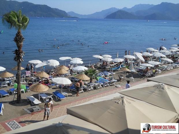 Turcia Marmaris plaja din fata hotelului Yunus