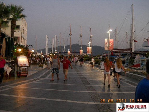 Turcia Marmaris seara (langa Marina)