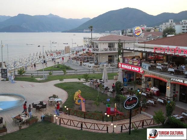 Turcia Marmaris seara (langa Burger King)