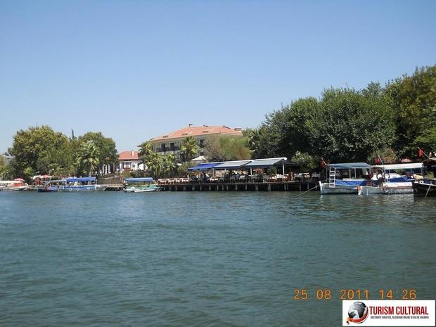 Turcia orasul Dalyan, in delta