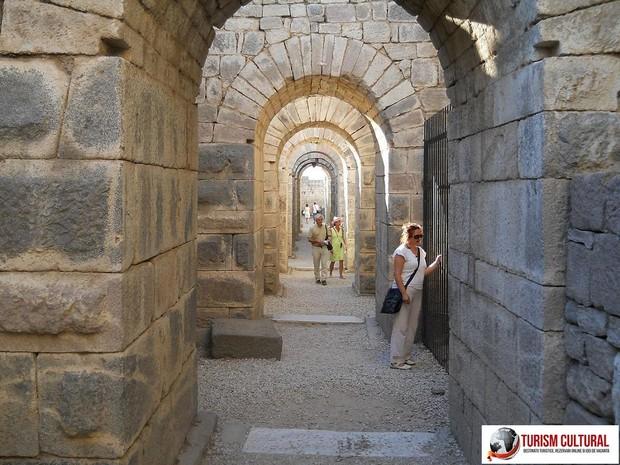 Turcia Pergam trajaneum (templul lui Traian)