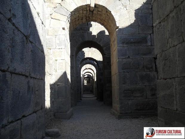 Turcia Pergam trajaneum (la subsol)