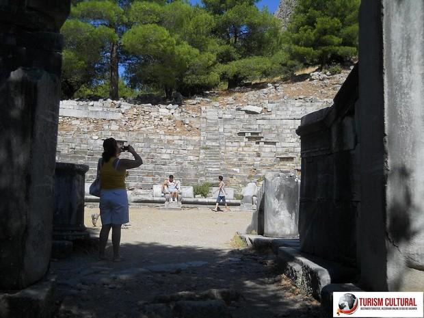 Turcia Priene intrarea in teatrul antic