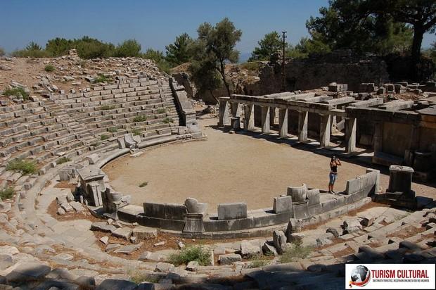 Turcia Priene teatrul antic vedere generala