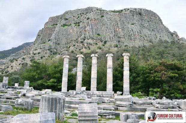 Turcia Priene templul Atenei si acropole