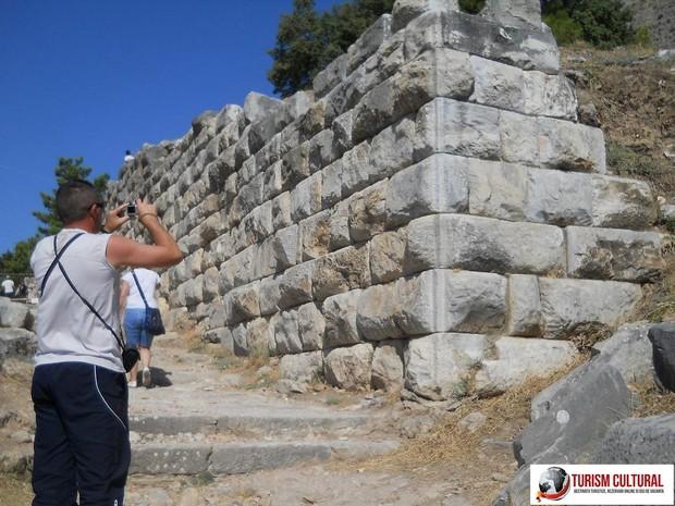 Turcia Priene zid de incinta al orasului antic