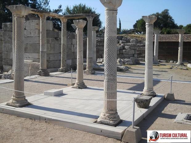 Turcia Selcuk Biserica Sf Ioan mormantul Sfântului Ioan