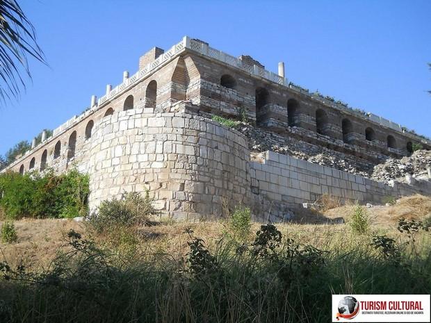 Turcia Selcuk Biserica Sf Ioan terasa pe care se afla biserica
