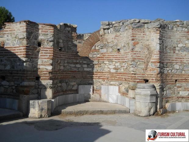 Turcia Selcuk Biserica Sf Ioan zid interior