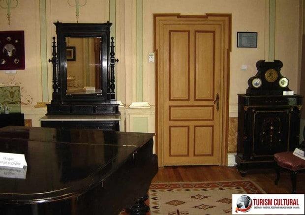 Castelul Iulia Hasdeu camera pianului