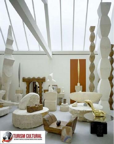Constantin Brancusi interior atelier Paris