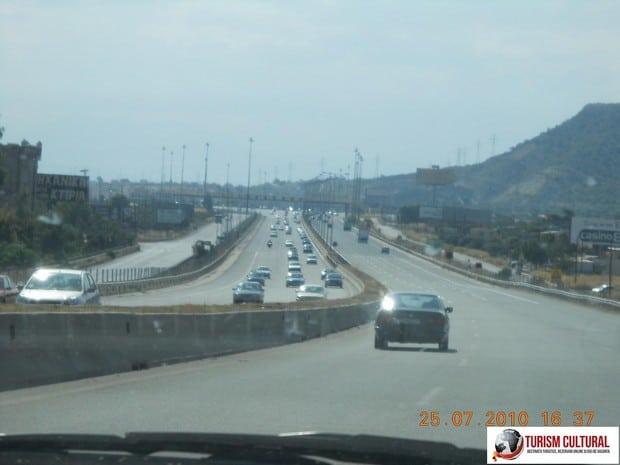 Grecia autostrada spre Korinthos