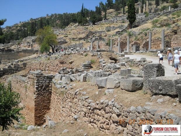 Grecia Delphi intrarea