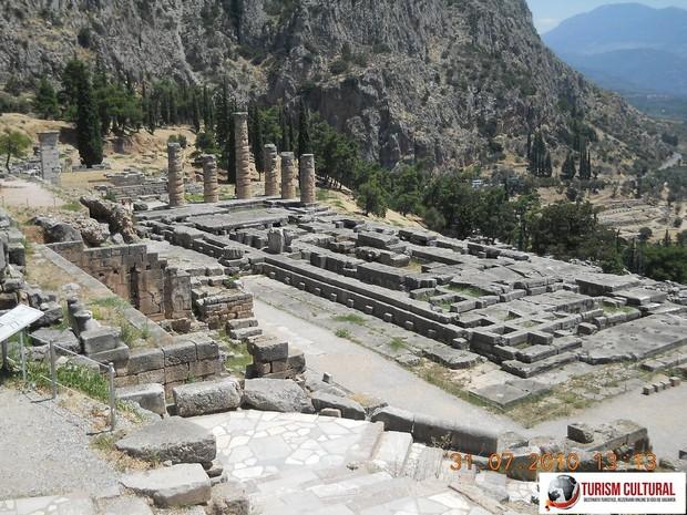 Grecia Delphi templul lui Apollo vazut de sus