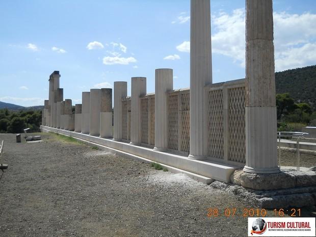 Grecia Epidaur abaton exterior