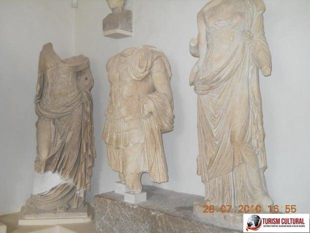 Grecia Epidaur statui din muzeu