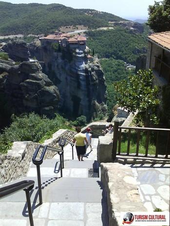 Grecia Meteora manastirea Marele Meteor coborarea de la manastire spre parcare